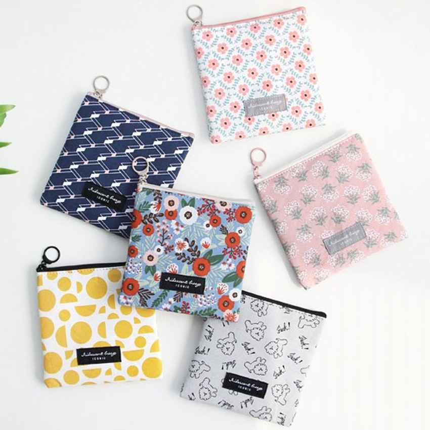 Comely pattern small flat pouch
