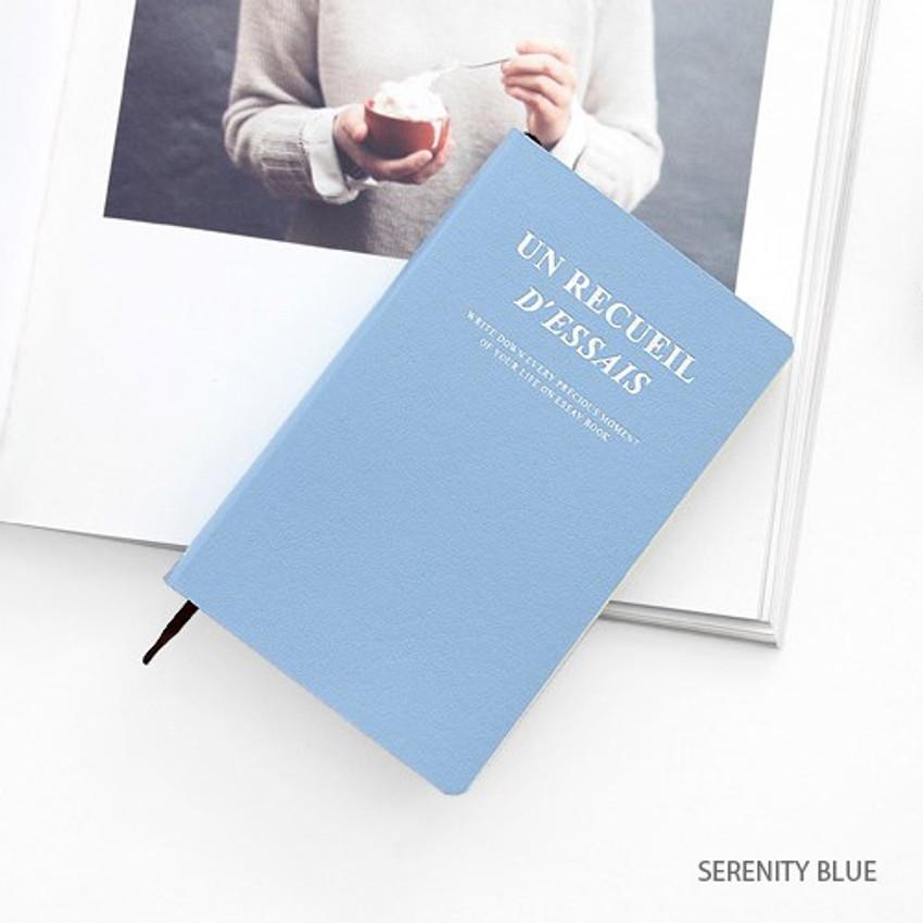 Serenity blue - Un recueil dessais essay notebook