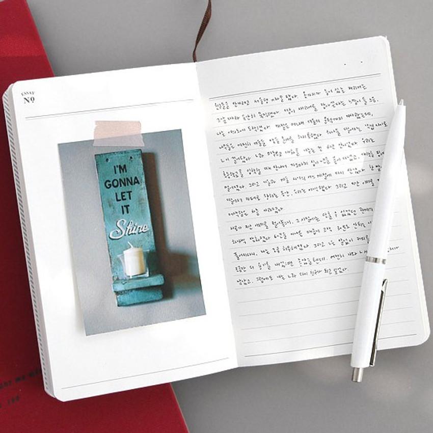 Essay - Un recueil dessais essay notebook
