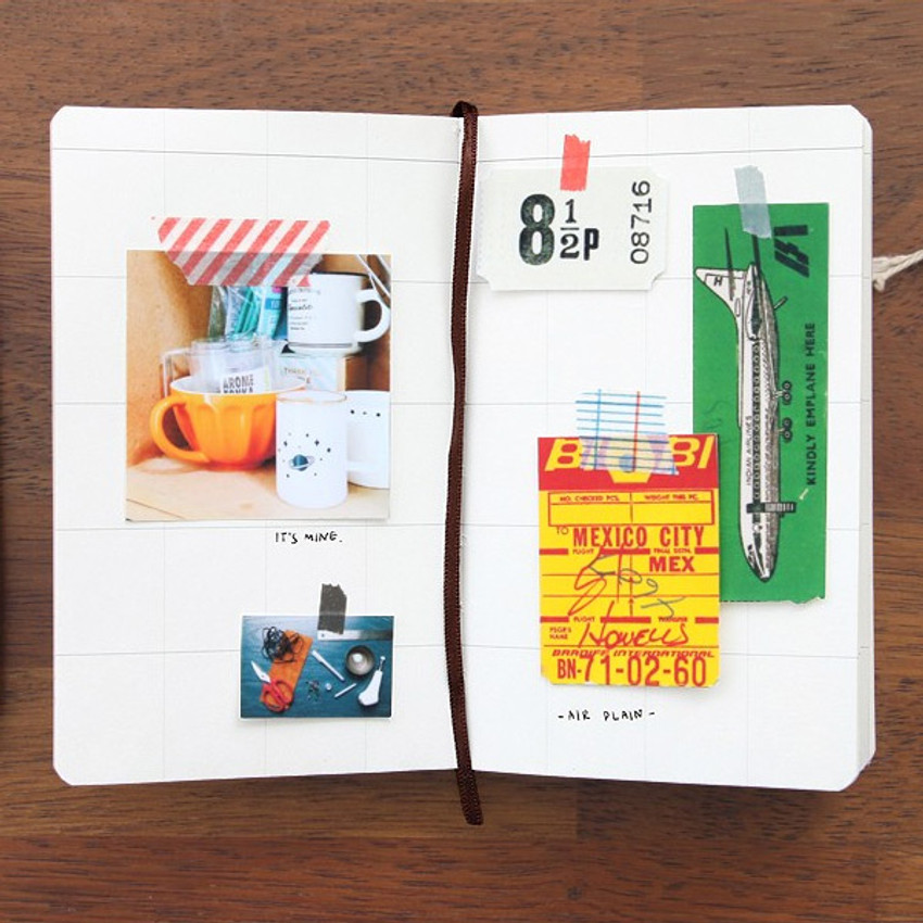 Square 02 - Un recueil dessais essay notebook