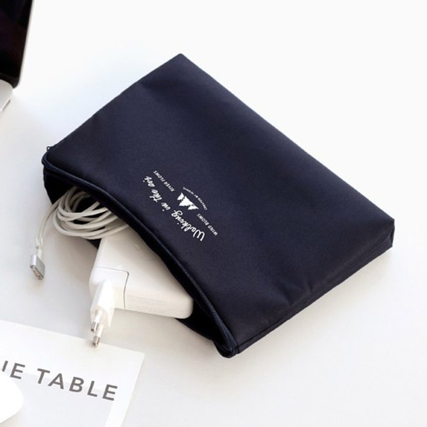 Navy - Walking in the air large cable pouch