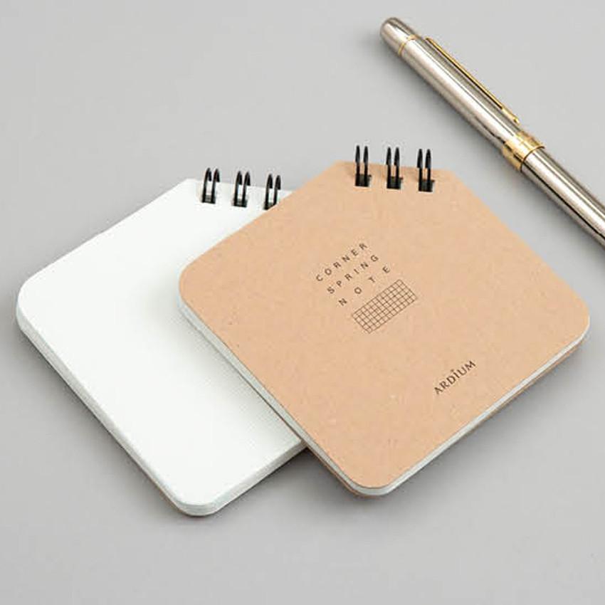 Corner mini spiral lined/grid notebook