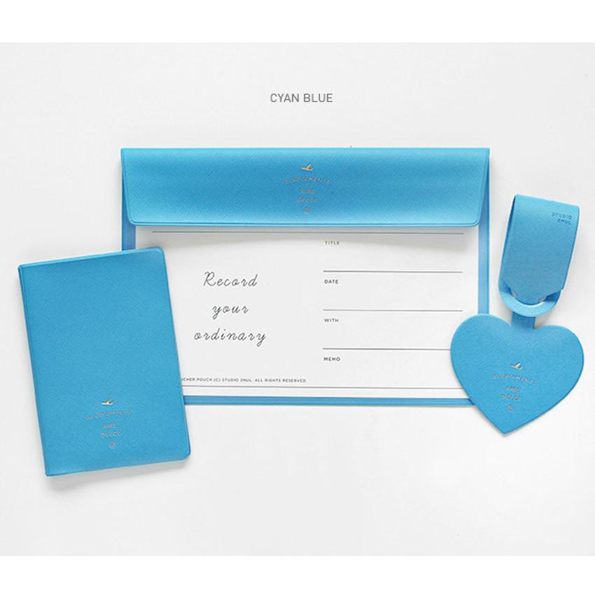 Cyan blue - Aire delce travel essentials set