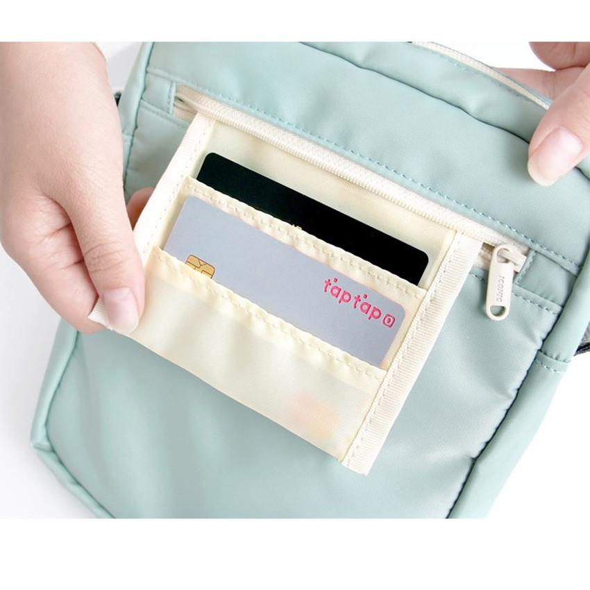 secret pocket - Voyager double zippered crossbody bag