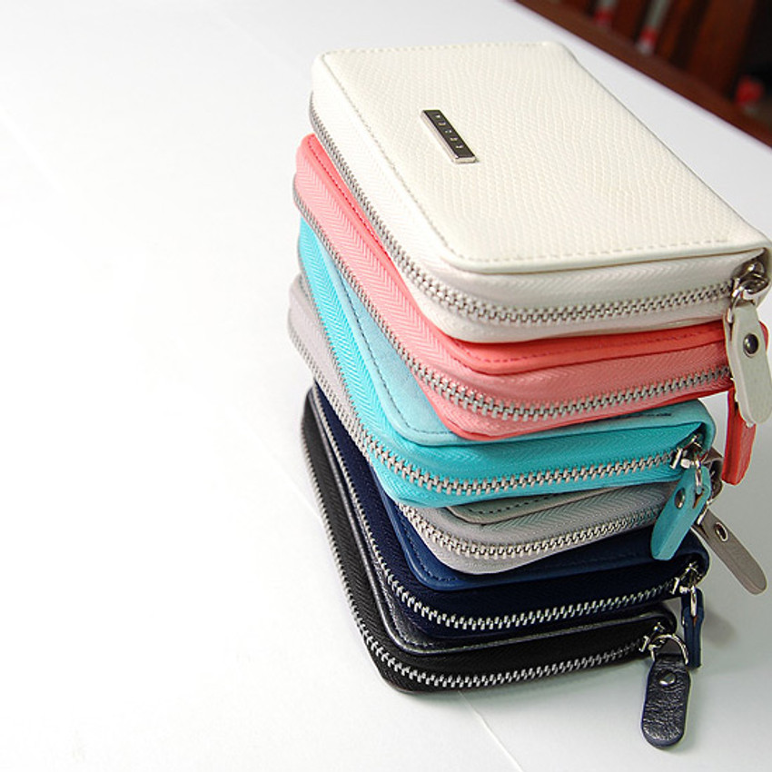 Simple zippered accordion card wallet