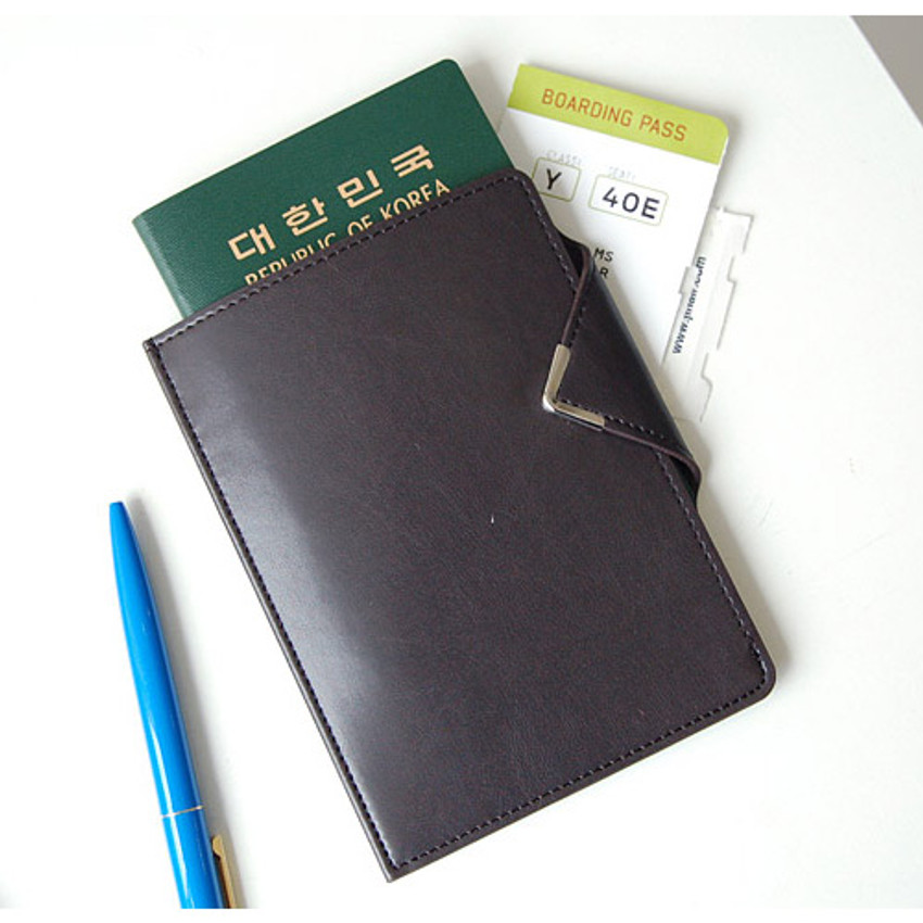 Black choco - Simple passport holder with magnetic snap closure