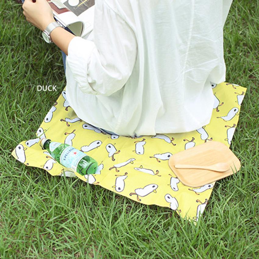 Duck - Jam Jam pattern hankie handkerchief