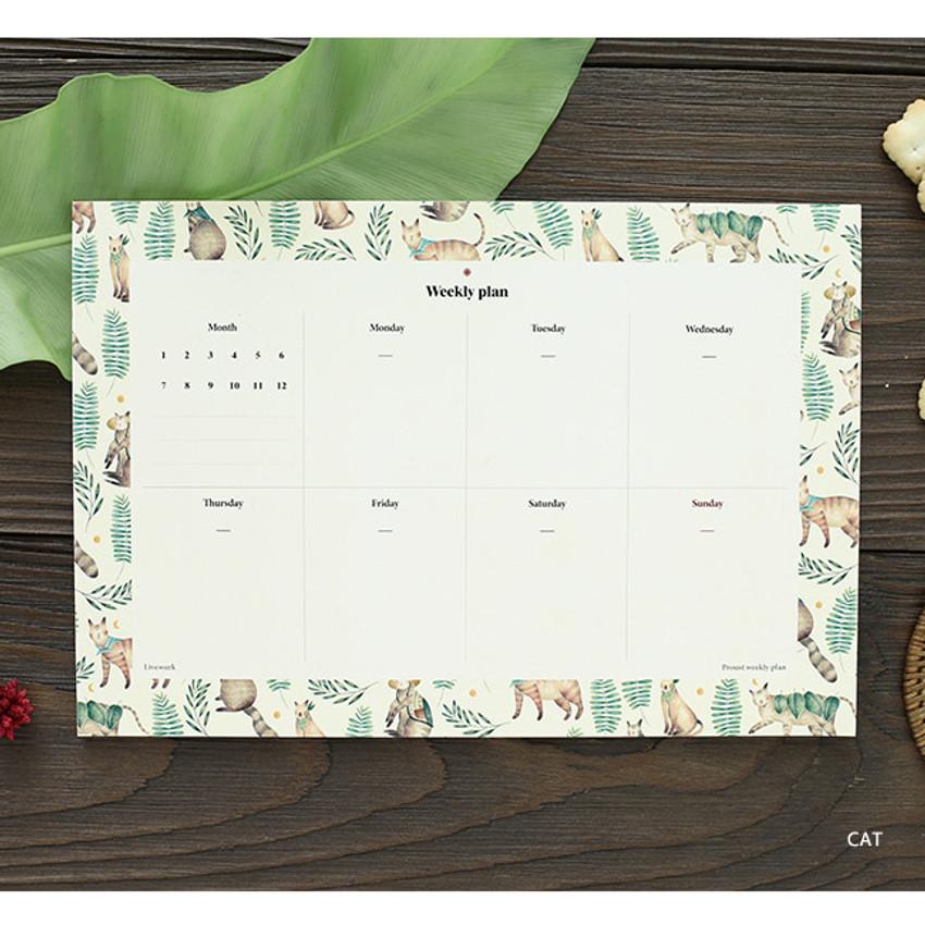 Cat - Prust pattern undated weekly desk planner