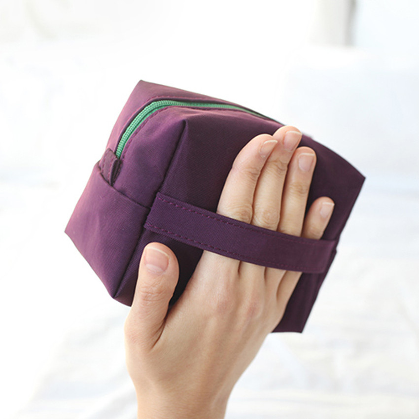 handle - Som Som stitch cosmetic makeup zipper pouch
