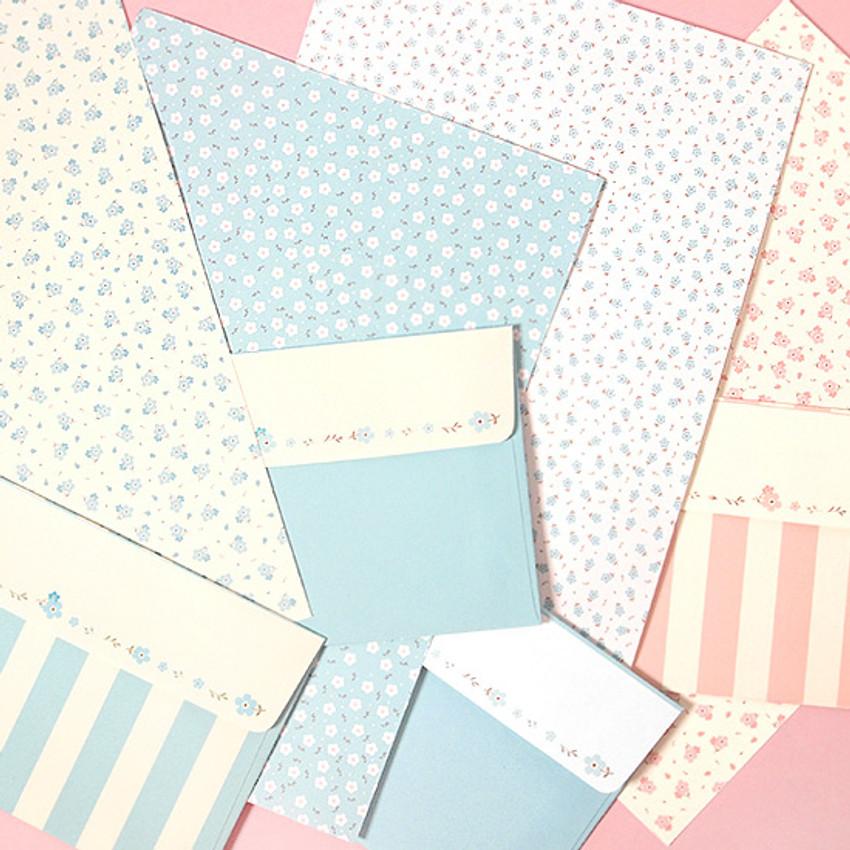 Soft flower pattern letter paper and envelope