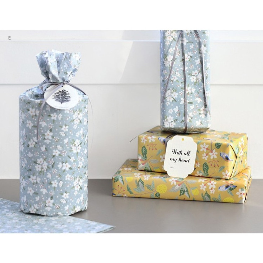 E - ICONIC From my heart cute gift wrapping paper set