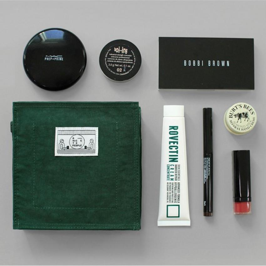 Green - BNTP Washer block square medium zipper pouch