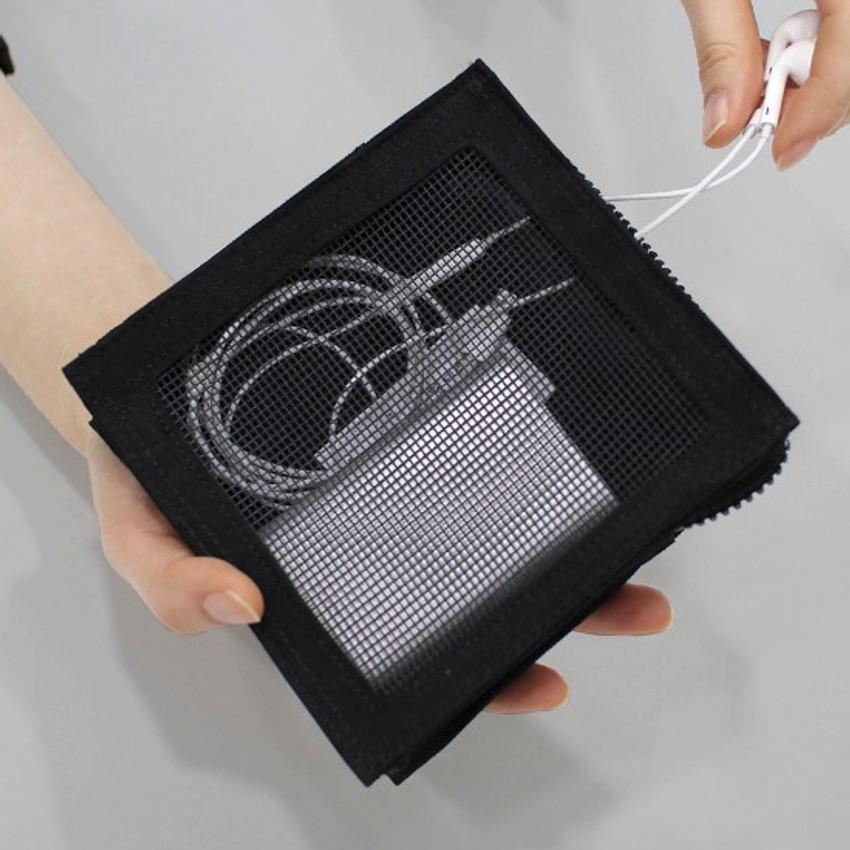 Black - BNTP Washer block square medium zipper pouch
