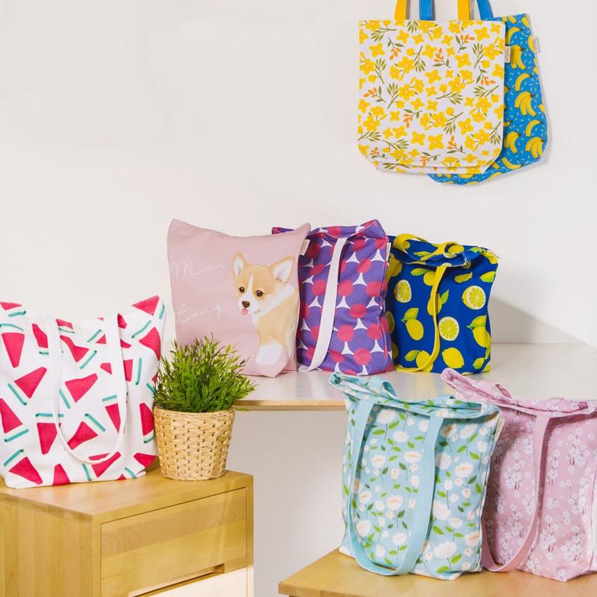 Pattern canvas shoulder bag