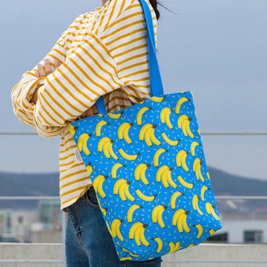 Banana blue - Pattern canvas shoulder bag