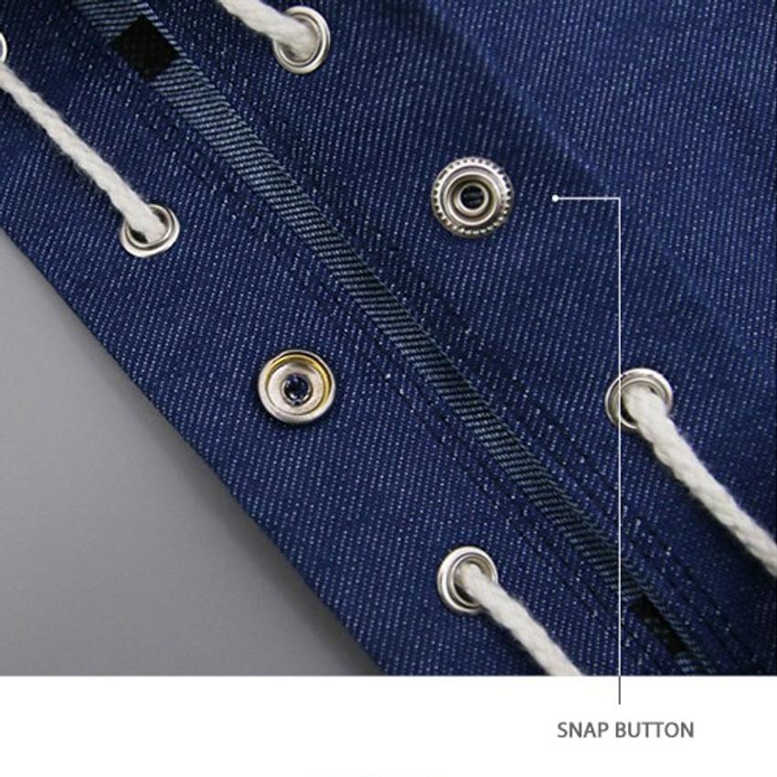 Snap button closure