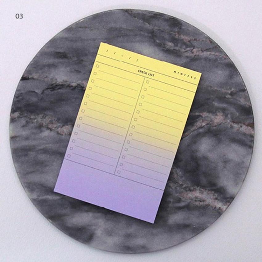03 - Checklist plan memo notepad