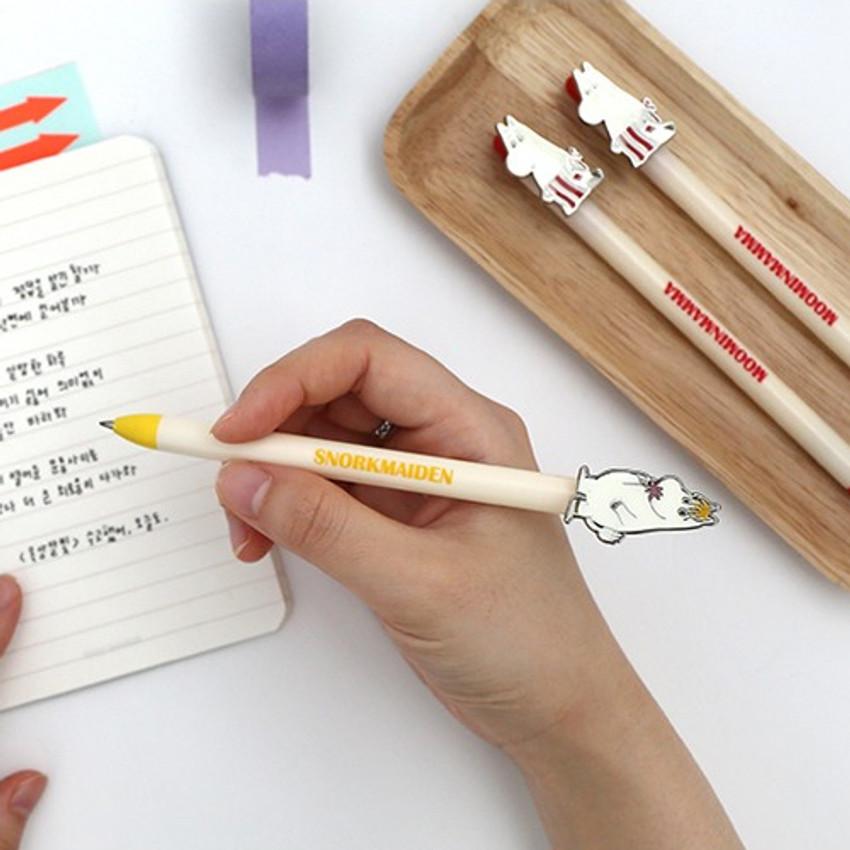 Romane Moomin casting black gel pen 0.5mm