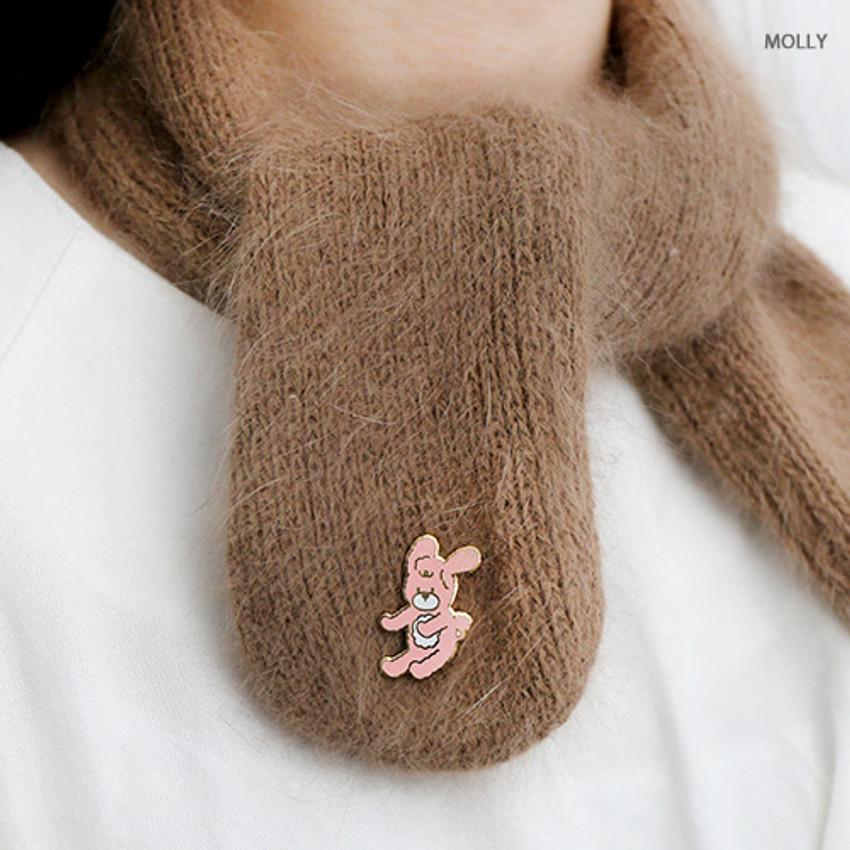 Molly - Romane friends pin badge