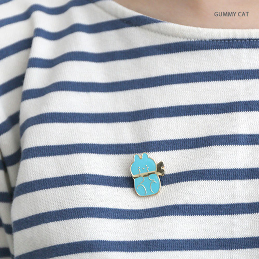 Gummies cat - Romane friends pin badge