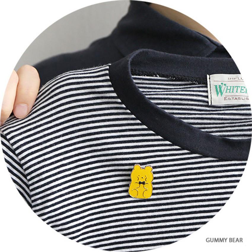 Gummies bear - Romane friends pin badge