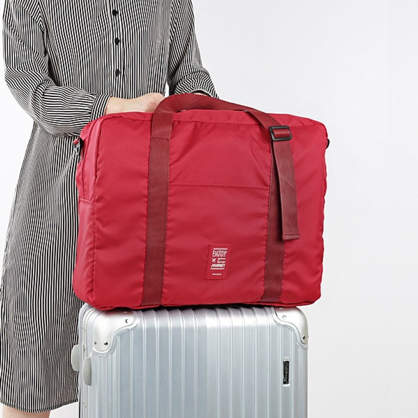 Example of use - Easy carry small travel foldable duffle bag