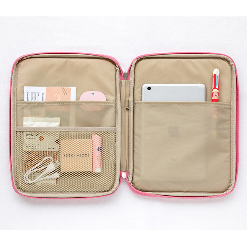 Composition - Livework Som Som pocket tablet iPad zip fabric pouch