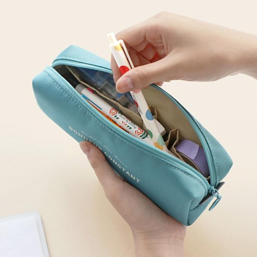 Example of use - ICONIC Bonheur constant zipper pencil case pen pouch