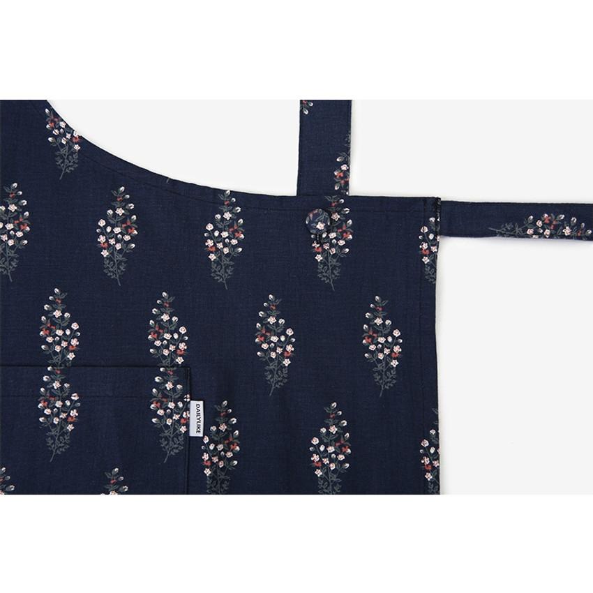 Detail of Dailylike Flower tree pattern linen cross back apron