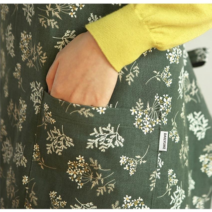 2 pockets - Dailylike Lace flower pattern linen cross back apron
