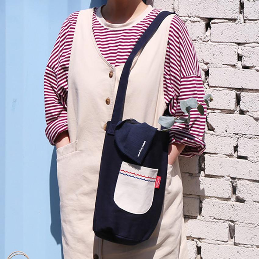 Example of use - ROMANE Baguette cotton shoulder bag