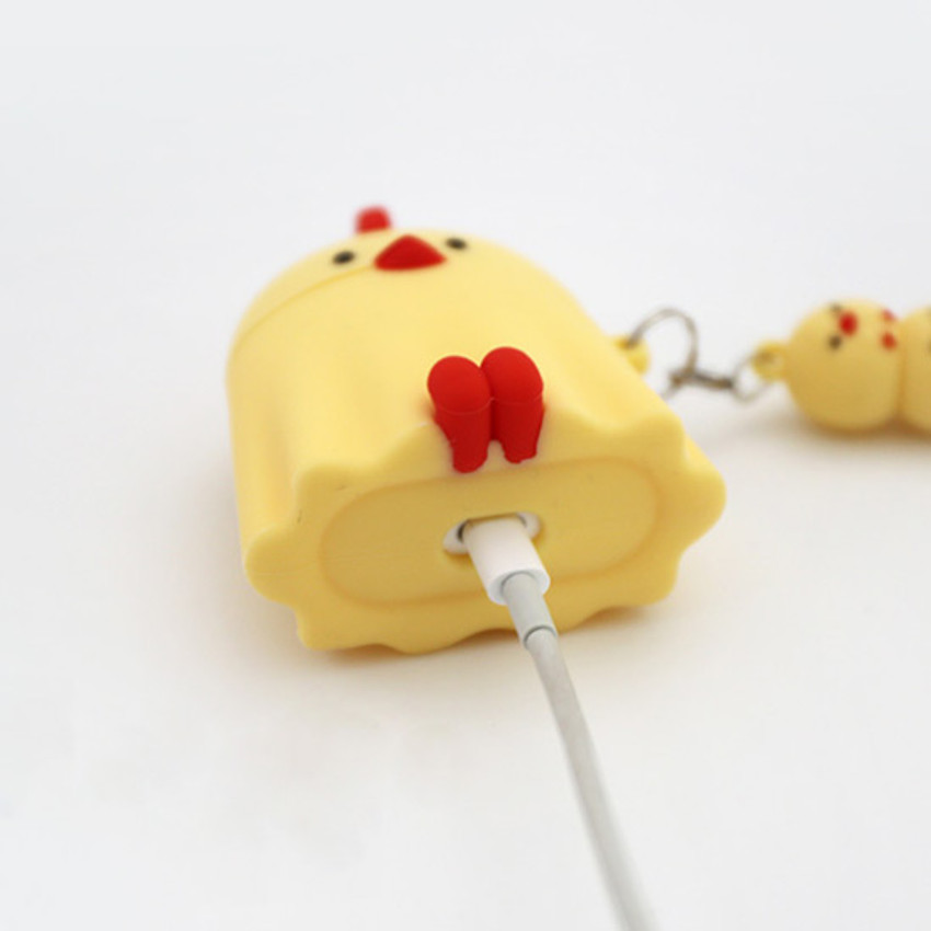 Detail of ROMANE Peep Peep AirPods case silicon cover with keyring