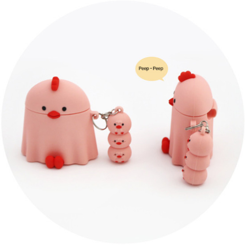 Example of use - ROMANE Peep Peep AirPods case silicon cover with keyring
