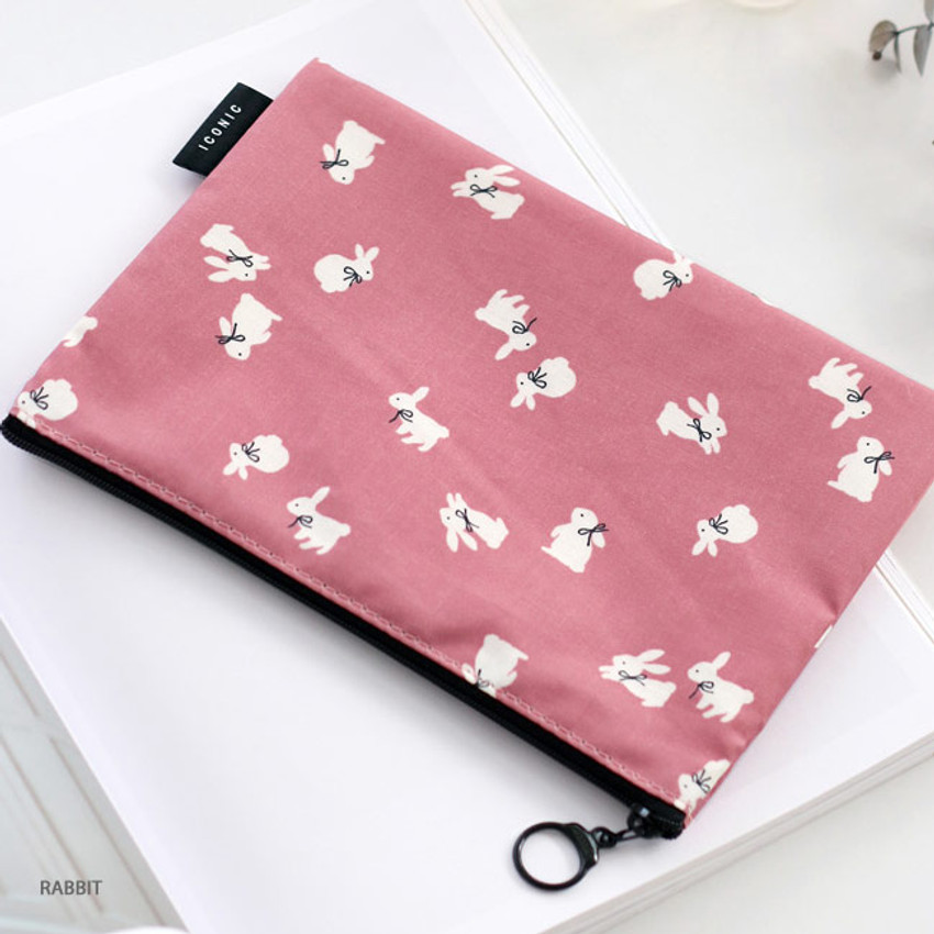 Rabbit - ICONIC Comely water resistant medium flat pouch bag