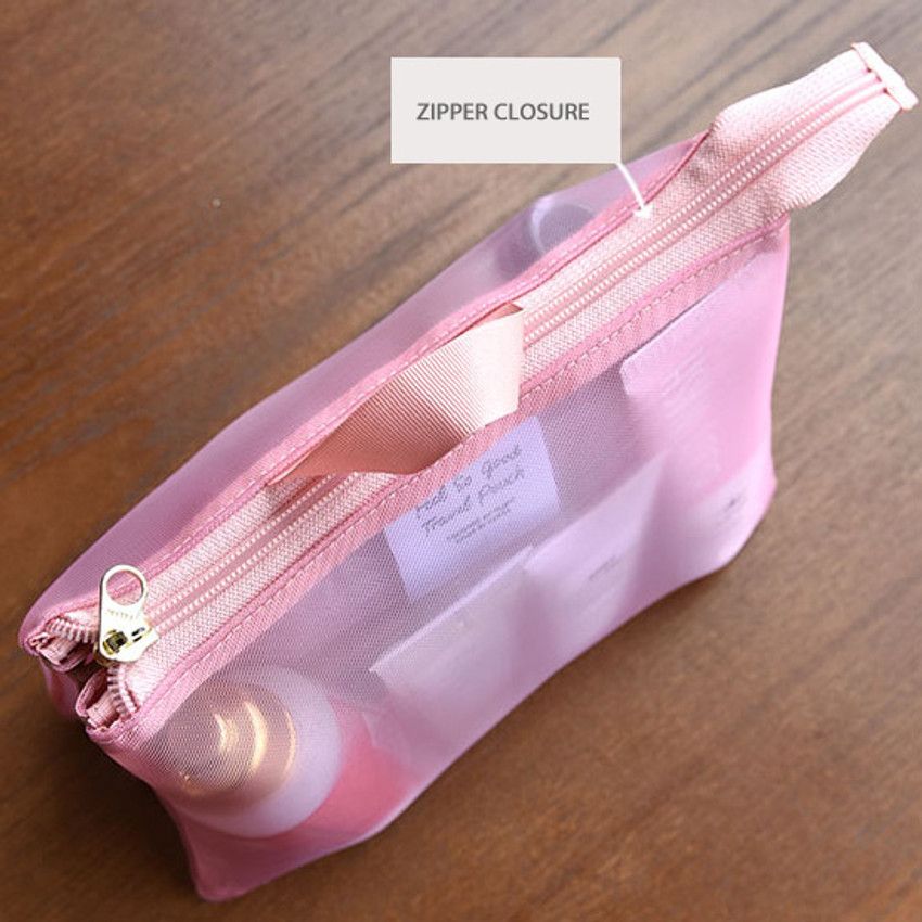 Zipper pouch - Play Obje Feel so good 3 pockets travel mesh zipper pouch