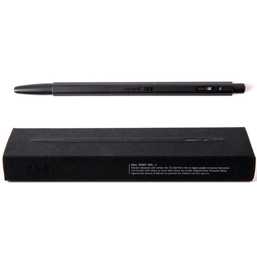 Black - MONAMI 153 black and white knock retractable ballpoint pen