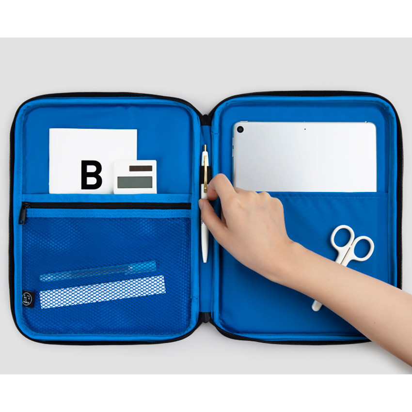 Composition - BNTP Today tablet PC iPad zipper multi pouch
