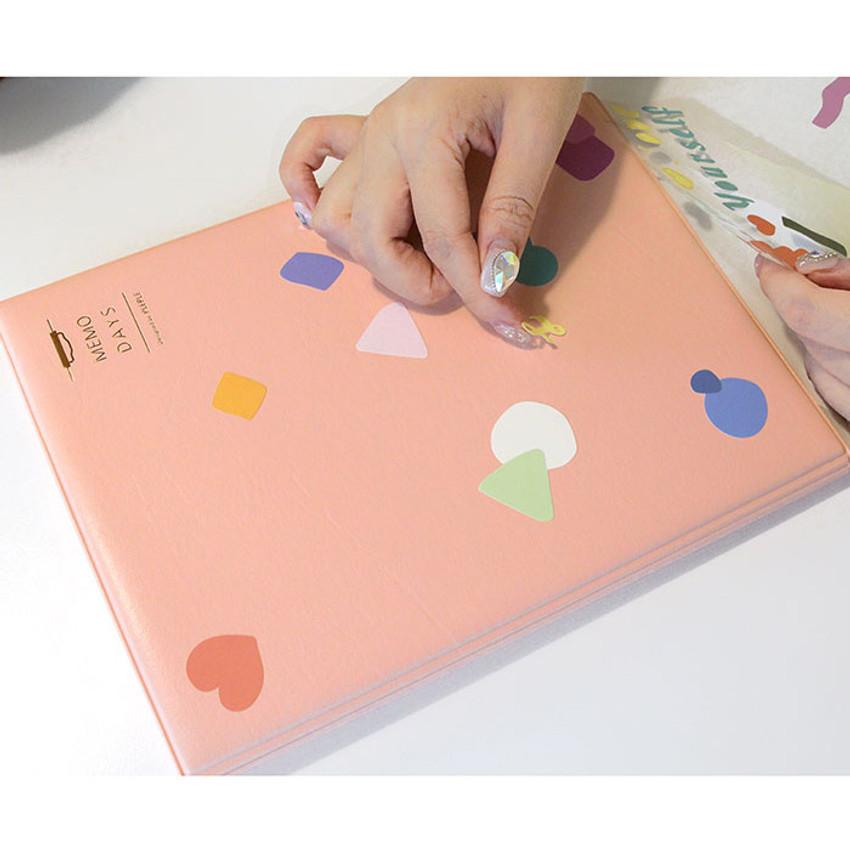Usage example of sticker - PLEPLE Memo days A5 size foldover clipboard set