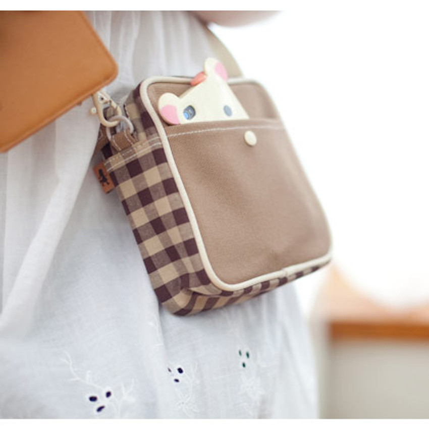 Camel beige color - Daily check cross bag