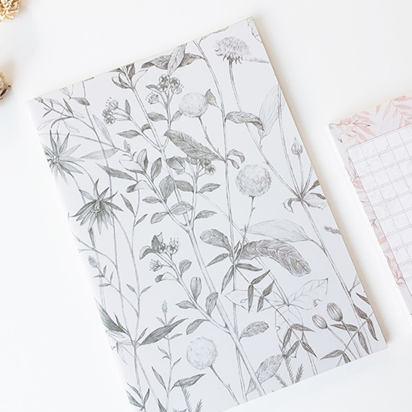 Leaf (white) - O-CHECK Bonne Pensee A5 size medium lined notebook
