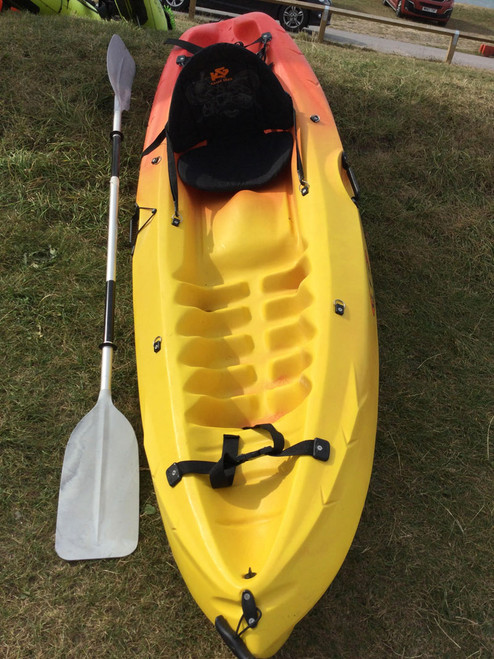 Used RTM Mambo Kayak with Paddle and seat 2