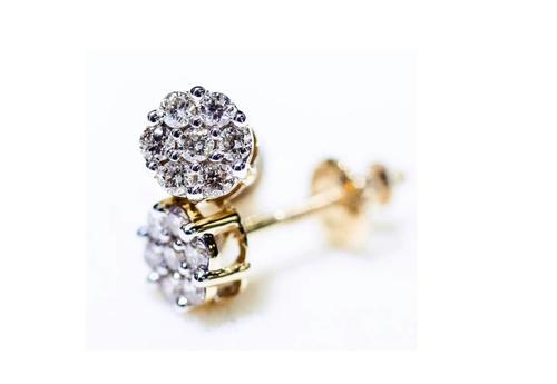 10K Gold 0.50 CT Diamond Round Flower Earrings