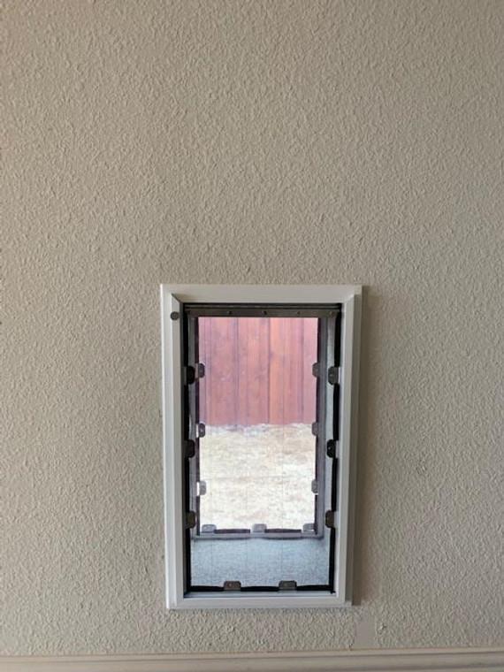 MaxSeal PRO Pet Door for Walls