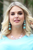 Linked Metallic Yarn Ball Earrings - Mint