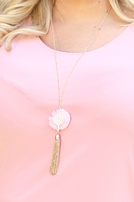 String Flower & Tassel Pendant Necklace - Light Pink