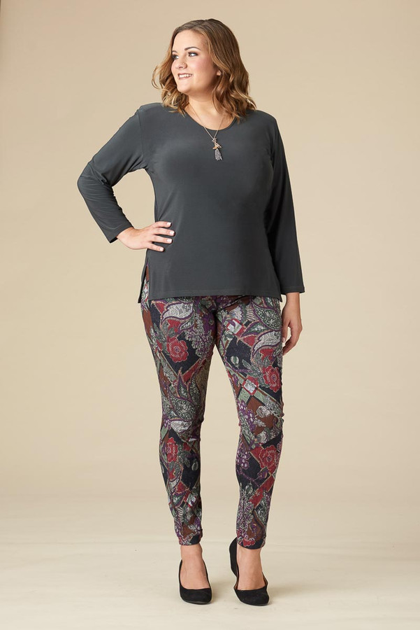 Living for The Moment Jegging - Diamond Paisley