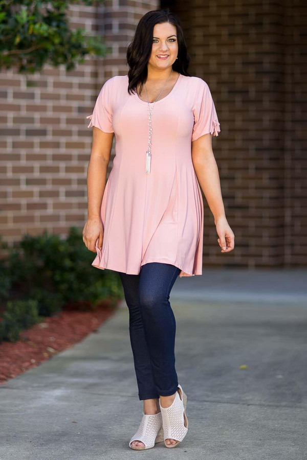 Pretty as a Picture Short Sleeve Top - Rosa