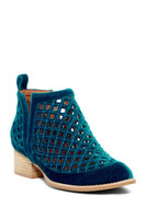 Jeffrey Campbell TAGGART