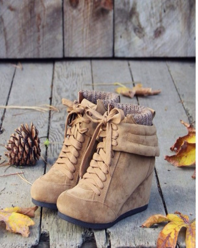 My Fall Obsession: Lace Up Boots