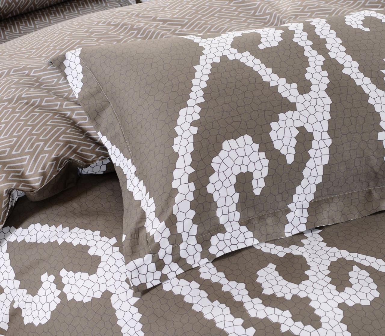 DM604Q  Modena Luxury Bedding Set